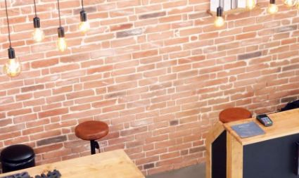 Mur imitation briques rouges