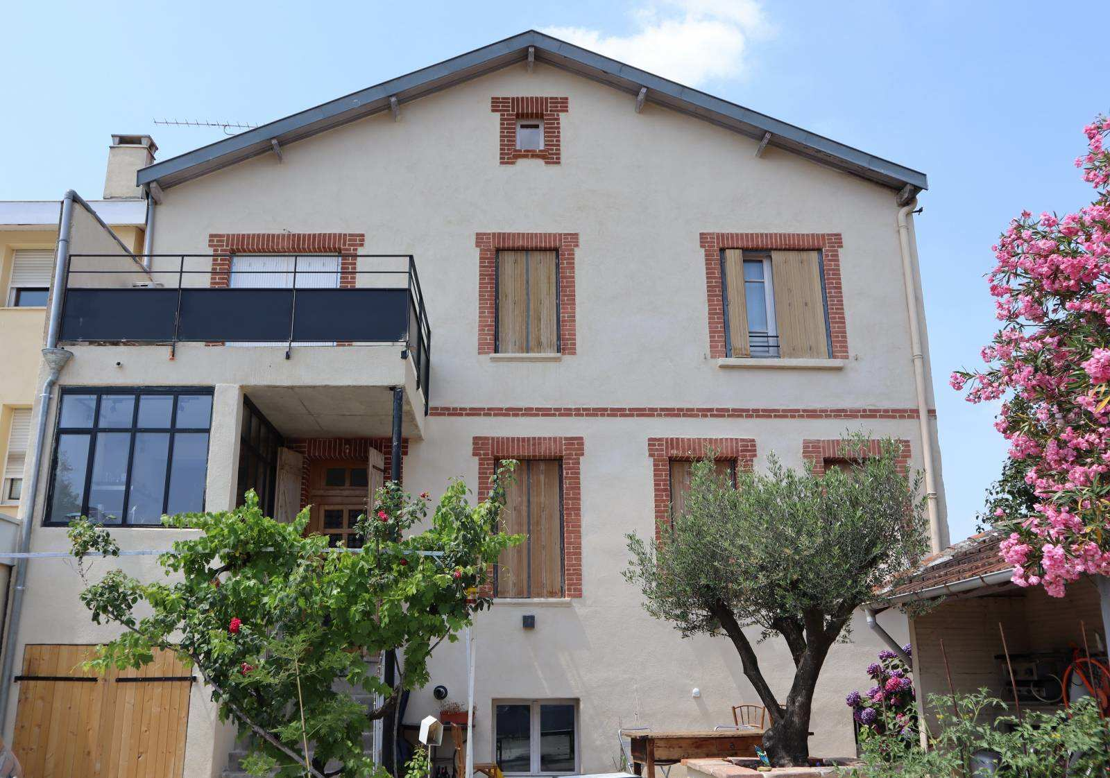 Rénovation de façade d'une maison toulousaine en centre ville de Toulouse en Haute-Garonne (31)