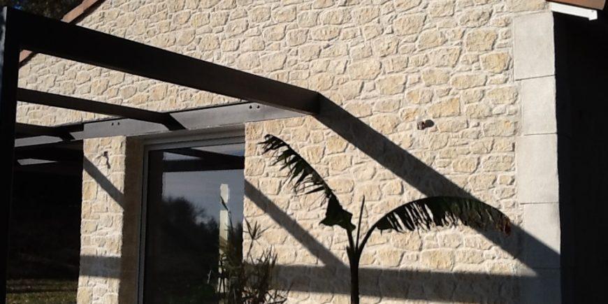 Ravalement de façade pierres et torchis à Venerque (31)