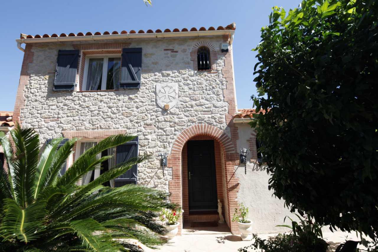 Rénovation de façade enduit décoratif à Rivesaltes, proche de Perpignan (66)
