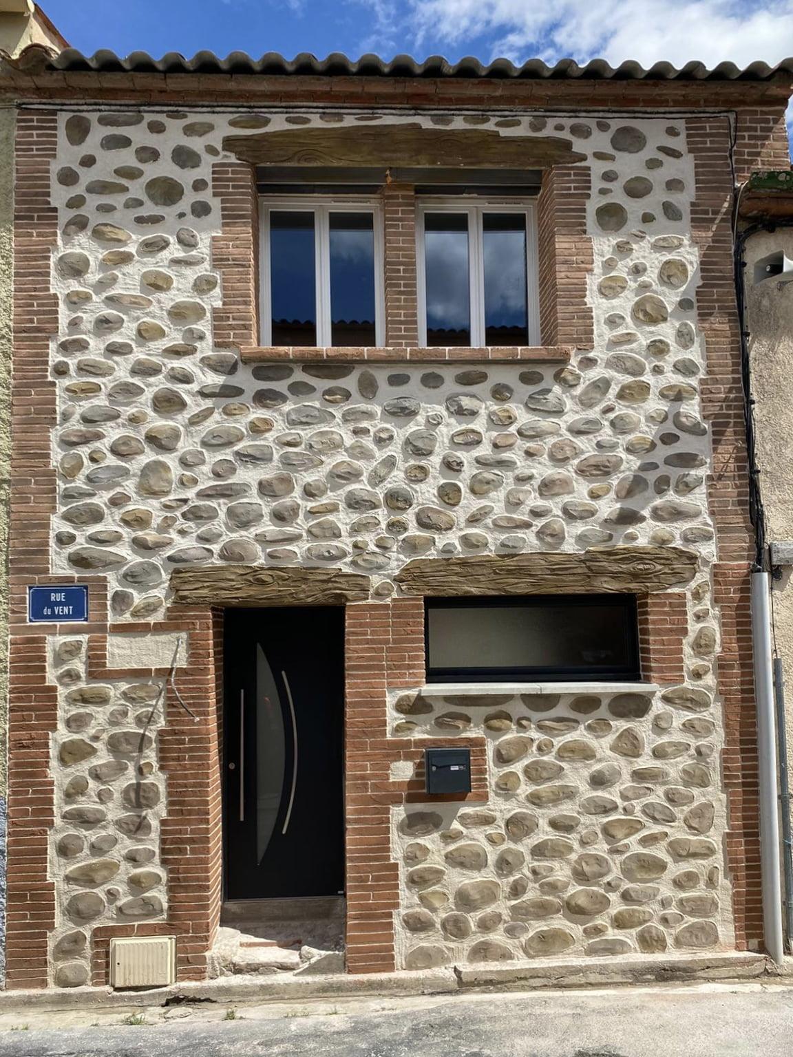 Façade imitation pierres à Pepignan (66)